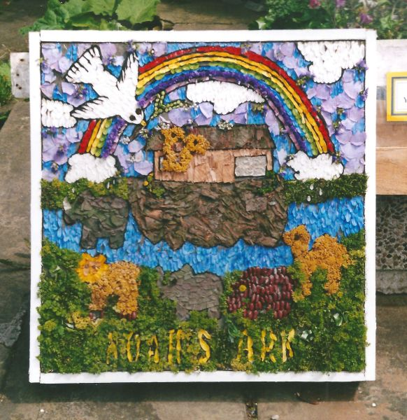 Penistone 2000 - St Andrew's Young Church Well Dressing