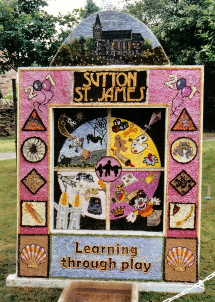 Sutton Lane Ends 2001 - Main Well Dressing