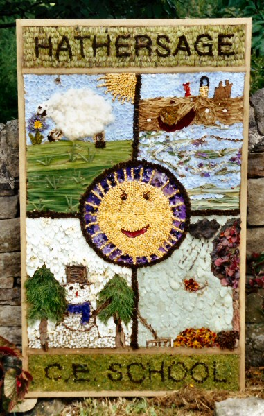 Hathersage 2001 - School Well Dressing