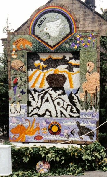 Youlgrave 2002 - Fountain Well Dressing