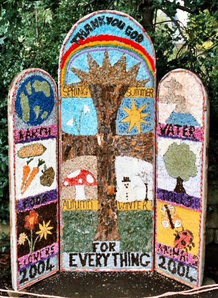 Rowsley 2004 - Primary School Well Dressing