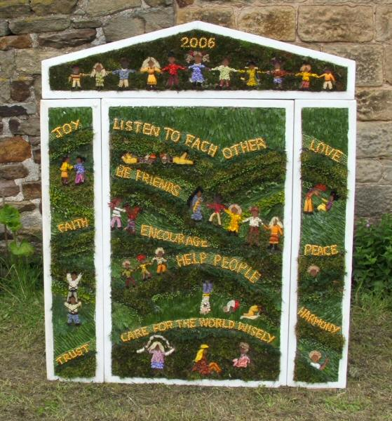Brackenfield 2006 - Stretton-cum-Handley School Well Dressing
