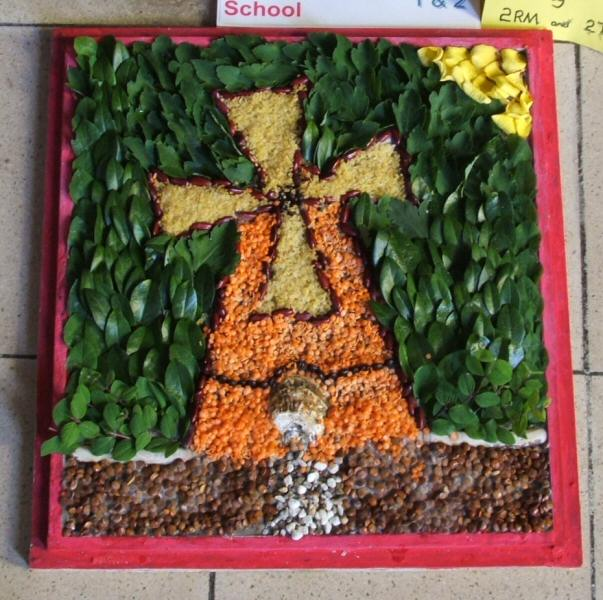 Silverhill Primary School Years 1 & 2 Well Dressing (3)