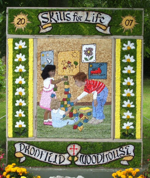 Dronfield Woodhouse 2007 - Main Well Dressing