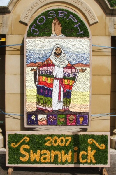 Swanwick 2007 - Jubilee Fountain Well Dressing
