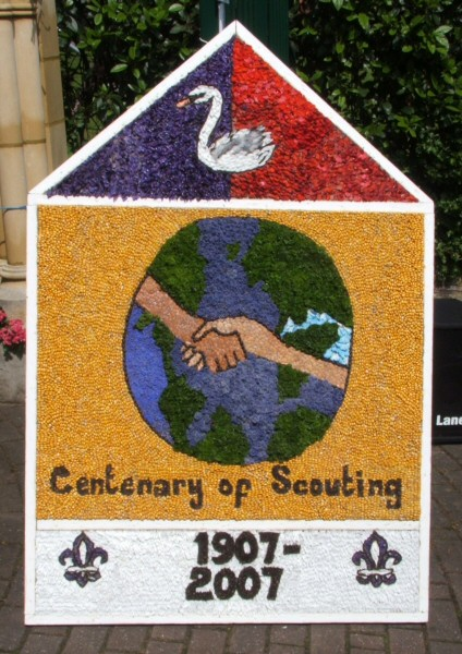 Swanwick 2007 - Scouts Well Dressing