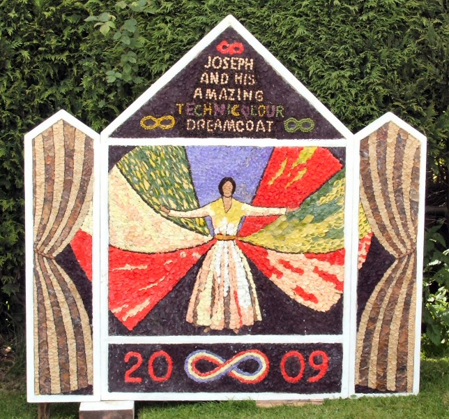 Brackenfield 2009 - Methodist Church Well Dressing