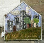 Three Horseshoes Well Dressing
