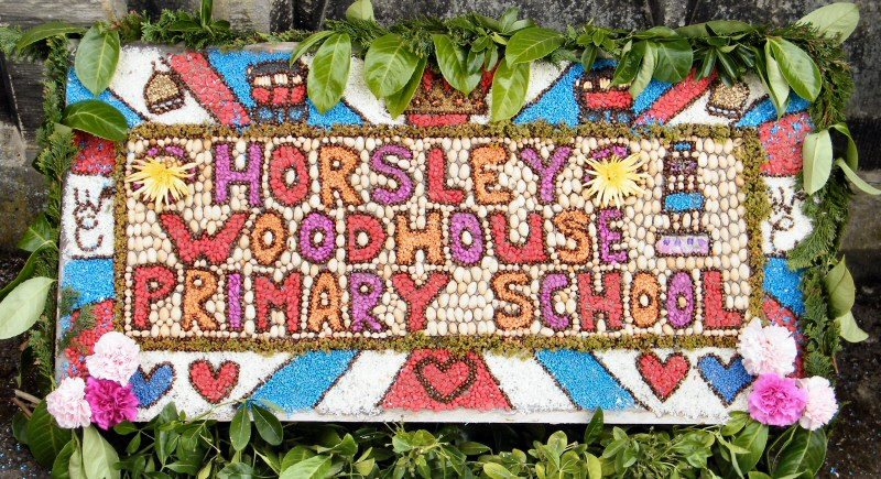 Horsley Woodhouse 2011 - Primary School Well Dressing (2)