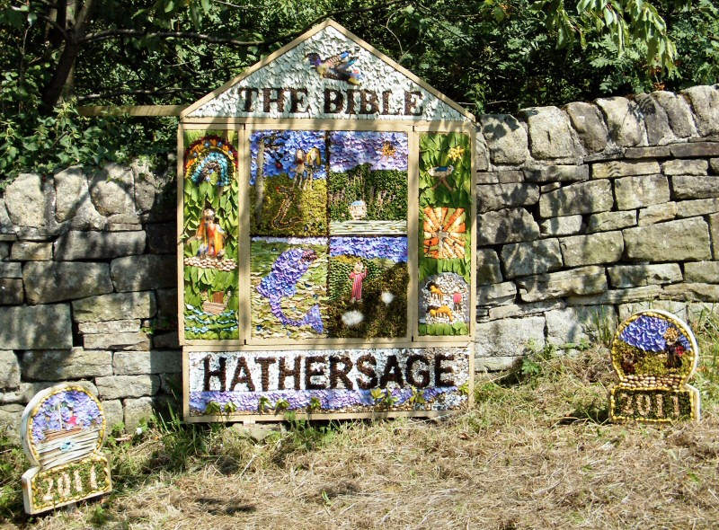 Hathersage 2011 - School Well Dressing