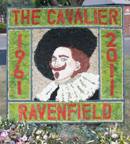 Ravenfield 2011 - Village Well Dressing