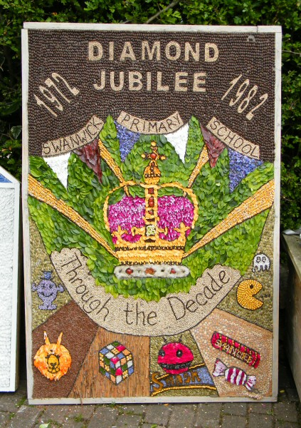 Swanwick 2012 - Swanwick Primary School Well Dressing