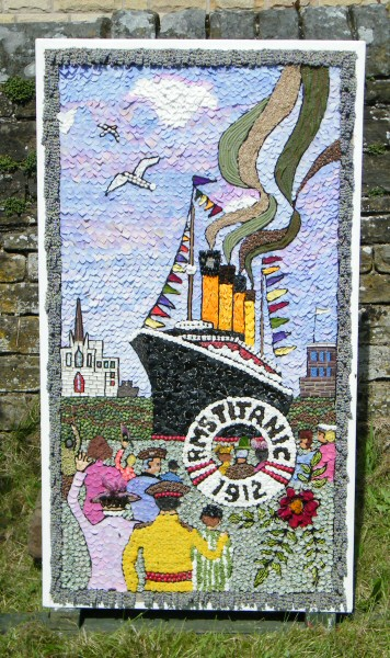 Wingerworth 2012 - Sheepwash Well Dressing (4)
