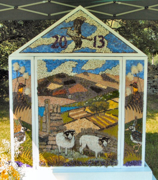 Hayfield 2013 - Little Hayfield Well Dressing