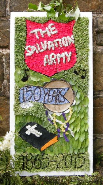 Wingerworth 2015 - Stubbing Well Dressing