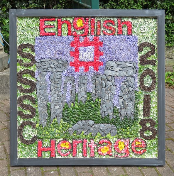 Swanwick 2018 - Swanwick School and Sports College Well Dressing