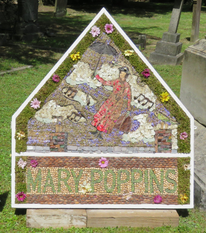 Brackenfield 2019 - Holy Trinity Church Well Dressing