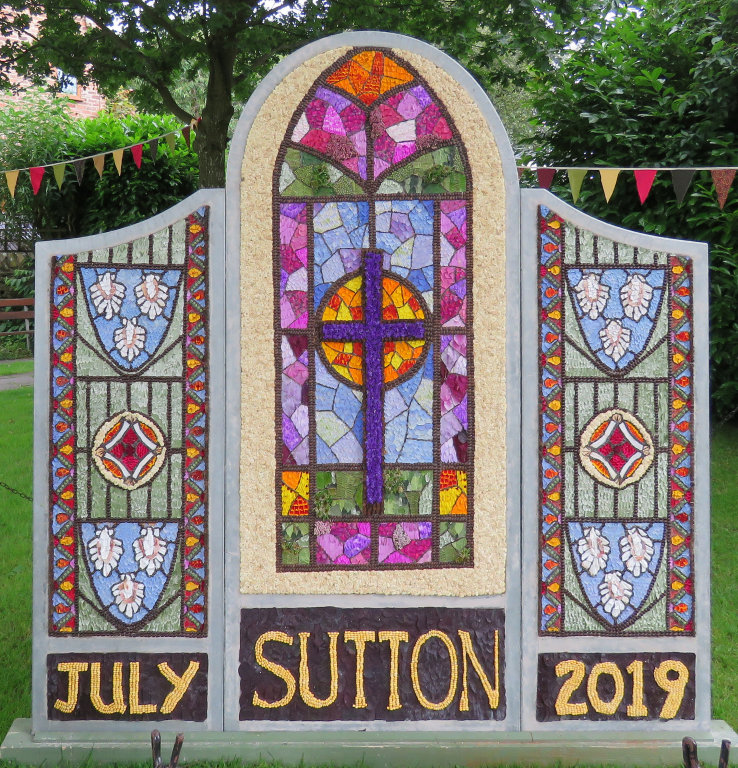 Sutton Lane Ends 2019 - The Pleasance Well Dressing