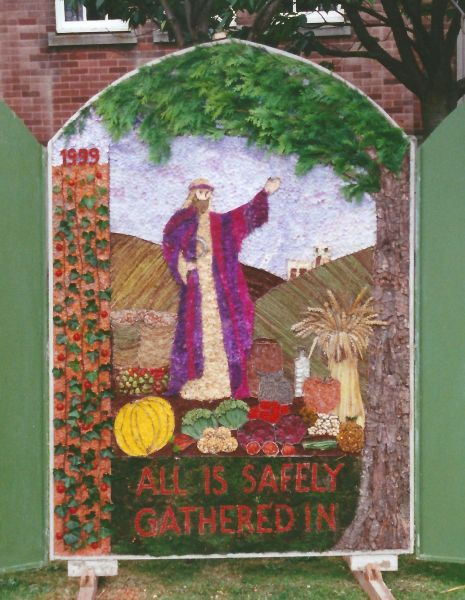 Chesterfield 1999 - Rose Hill United Reformed Church Well Dressing